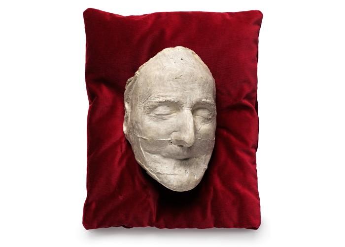 Death mask of the Duke of Wellington. Copyright Apsley House / English Heritage.