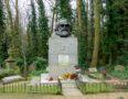 Karl Marx's headstone